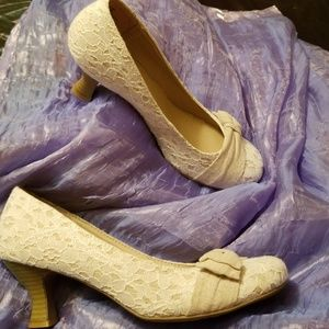 New SO lace n bow womens dress shoe